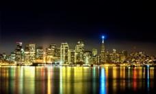 灯火阑珊湖光建筑高楼大厦风景画