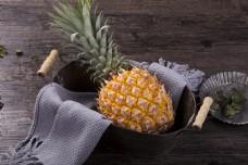 实物图新鲜水果菠萝摄影图2