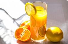 新鲜的橙汁
