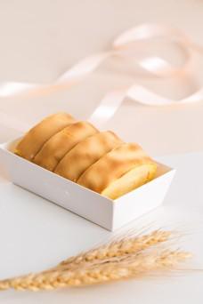 摄影图西式甜点虎皮蛋糕卷1