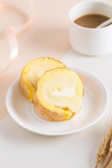 摄影图西式甜点虎皮蛋糕卷2