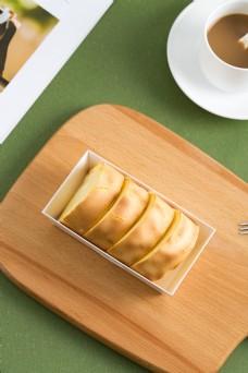 摄影图西式甜点虎皮蛋糕卷5