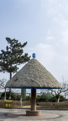 夏日风情之避暑的小草屋