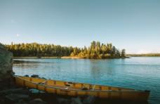 唯美平静湖面