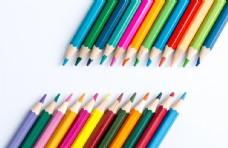 彩虹铅笔创意背景