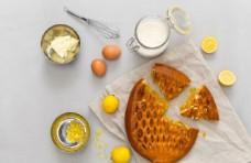 蜜蜂果酱面包