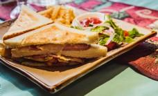 精致三明治摆盘美食摄影