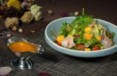 大虾芒果沙拉