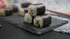 日式料理系列之牛油果沙拉寿司卷2