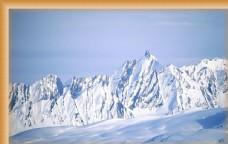 连绵不断的雪山
